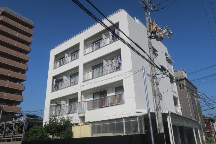 一棟売収益物件◆松山市道後喜多町◆表面利回り8.33%◆平成元年鉄骨造◆外壁塗装済
